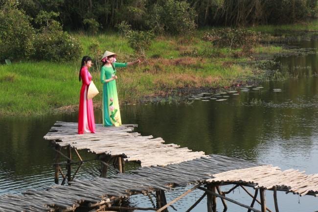 Ecotourism in flooding season