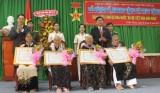 122 mẹ được phong tặng, truy tặng danh hiệu Bà Mẹ Việt Nam Anh hùng
