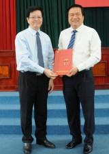 Đồng chí Phạm Văn Rạnh nhận nhiệm vụ Phó Bí thư Tỉnh ủy Long An nhiệm kỳ 2010-2015