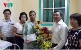 Tặng quà chiến sĩ công tác tại Trường Sa mắc bệnh hiểm nghèo