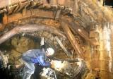 Đền 830 triệu đồng cho 110 hộ dân bị thiệt hại vì nổ mìn xây đường hầm