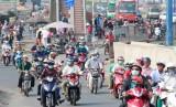 Dừng thu phí xe máy: Hợp lòng dân!