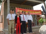 Trao nhà đại đoàn kết tại huyện Vĩnh Hưng