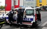 Cảnh sát Pháp săn lùng các tay súng trong vụ bao vây Primark