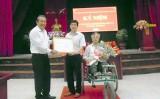 Chánh án Trương Hòa Bình thăm các thương bệnh binh Thuận Thành