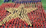 12.000 người dự nghi lễ chào cờ và xếp hình bản đồ Việt Nam
