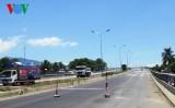 Dân cản thi công cầu vượt trên Quốc lộ 1A do đền bù không thỏa đáng