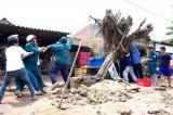 Giúp dân khắc phục hậu quả giông, lốc