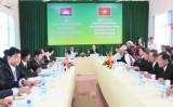 Đoàn Đại biểu Tòa án sơ thẩm tỉnh Svay Rieng (Campuchia) làm việc tại Tòa án tỉnh Long An