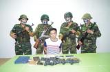 Bắt người Trung Quốc vận chuyển lượng lớn súng đạn vượt biên