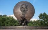 20 tượng đài tưởng niệm Bác Hồ trên khắp thế giới
