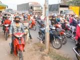 Ùn ứ trên QL1, 2 vụ va chạm giao thông