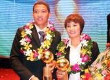 Anh Đức và Minh Nguyệt giành Quả bóng Vàng VN 2015