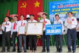 Long Thượng đón nhận danh hiệu xã nông thôn mới