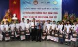 Trung ương Hội Khuyến học Việt Nam trao 15 suất học bổng cho sinh viên nghèo