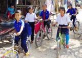 Xóm Việt kiều chuẩn bị đón tết