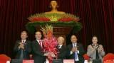 Đại biểu chúc mừng Tổng Bí thư Nguyễn Phú Trọng tái đắc cử