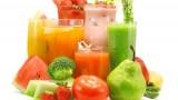 Nước lọc hay nước ép trái cây tốt hơn?