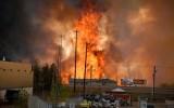 Cháy rừng tại Canada khiến 100.000 người dân phải sơ tán