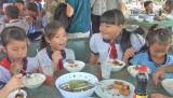 Đức Hòa: Trên 11.000 lượt học sinh được ăn trưa miễn phí