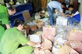 Phát hiện cơ sở sản xuất nước đóng chai, nước mắm và giấm giả