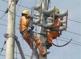 Đức Hòa: Bảo đảm an toàn điện trong mùa mưa, bão
