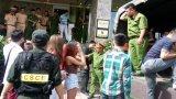 Hải Phòng: Đột kích quán karaoke, tạm giữ cả trăm người