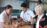 Cần Giuộc: Khám bệnh, phát thuốc và tặng quà cho 400 gia đình chính sách