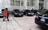 Nhiều tỉnh tự ý chi tiền mua xe công sai quy định