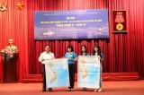 Chung tay treo bản đồ Việt Nam vì biển đảo quê hương