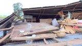 Vĩnh Hưng: Giông lốc làm sập nhà dân