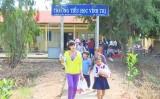 Vĩnh Hưng trao học bổng cho trẻ em nghèo vượt khó học giỏi