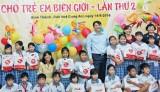260 phần quà trung thu cho trẻ em nghèo biên giới
