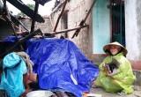 Quảng Bình: Lốc xoáy dữ dội, cuốn bay 3 cha con trên xe máy