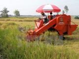 Việt Nam phải nhập khẩu hơn 70% máy móc, thiết bị nông nghiệp