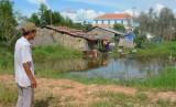 Thị trấn Tân Thạnh: Gần chục hộ dân quanh năm sống cảnh ngập lụt
