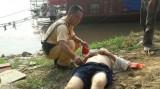 CSGT đưa canô cứu người đàn ông nhảy cầu tự vẫn