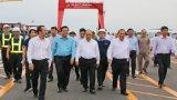 Thủ tướng Nguyễn Xuân Phúc khảo sát Cảng Quốc tế Long An