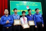 Trao huy hiệu Tuổi trẻ dũng cảm cho 3 thanh thiếu niên cứu người