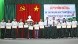 Tuyên dương 100 học sinh đạt thành tích xuất sắc
