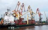 Quả bom dài 1m mắc vào mỏ neo tàu chở thép ở cảng Hải Phòng