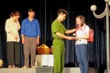 Đoàn Kịch nói và Ca múa nhạc Công an nhân dân lưu diễn phục vụ nhân dân Long An