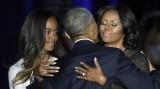 Tổng thống Mỹ Barack Obama rơi lệ khi nói về vợ và con gái
