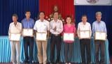 UBMTTQ Việt Nam huyện Cần Giuộc vận động trên 16 tỉ đồng thực hiện an sinh xã hội