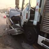 Xe tải va chạm với ô tô du lịch, 2 người bị thương