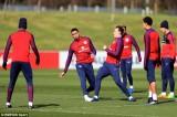 """Jose Mourinho nhận hung tin trước """"giai đoạn then chốt"""" của M.U"""