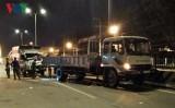 Xe tải đâm xe cẩu, tài xế chết kẹt trong ca bin