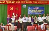 Châu Thành: Giao sổ BHXH cho người lao động quản lý