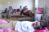 27 người nhập viện vì ngộ độc bánh tét từ đám tang