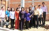Phó Chủ tịch nước – Đặng Thị Ngọc Thịnh thăm gia đình chính sách ở Đức Hòa